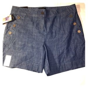 The limited shorts size 10